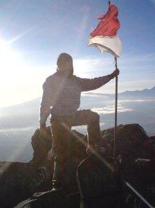 Berkibarlah Sang Bendera Negeri Indonesia. Aku Mencintaimu Indonesia.