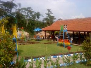Taman Bermain untuk Pengunjung