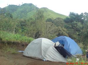 Pos Peristirahatan di Badan Gunung Arjuna
