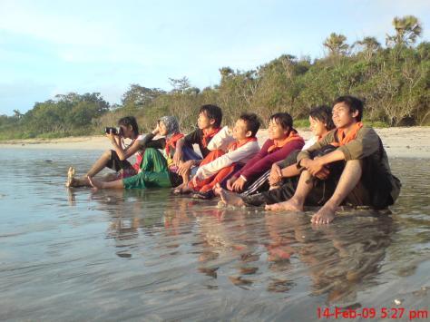Tiada hari tanpa CELUP-CELUP di Pantai