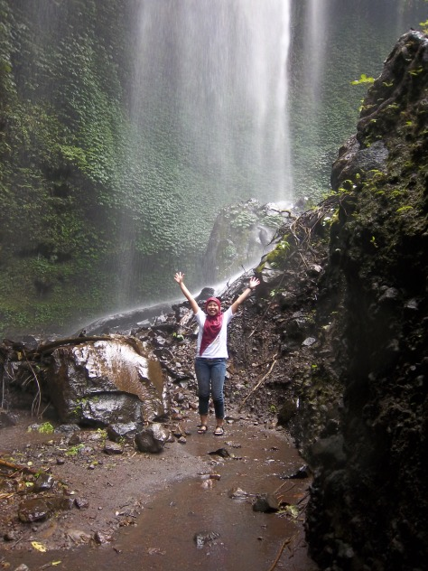 Eits,,,ini belum air terjunnya...ini baru Tirai-tirai air menuju Air Terjun Madakaripura