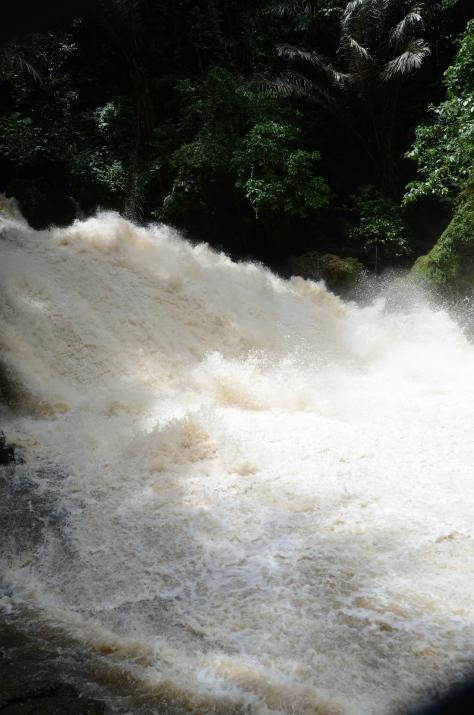 Air Terjun Banti Murung yang di lihat-lihat seperti air Bah.