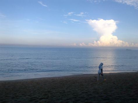 Sun Rise di Pantai Senggigi belakang Hotel Jayakarta