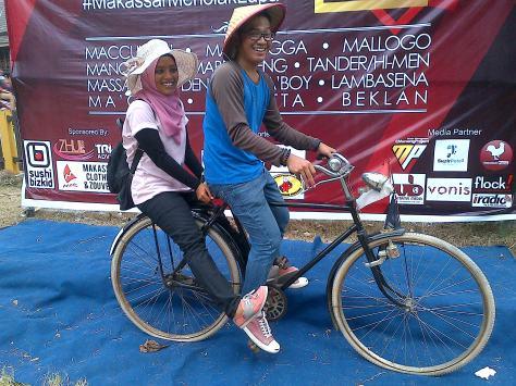 Sesi Pemotretan dengan sepeda tua (Sepeda Onta).