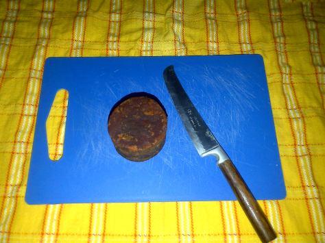 isian kelepon : Gula Merah ato Gula Jawa, or brown sugar