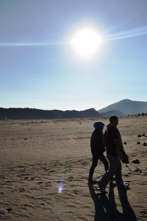 Berjalan berdua dengan si Dia (So Sweet)