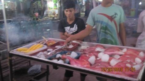 Aneka Ikan, Seafood dan Sate siap bakar Murah Meriah